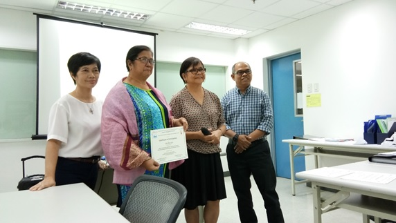 Prof. Ida Francia H. Revale, Vice-chairperson of BCHRD-REC receives her certificate of participation for the PHREB-FERCAP with Dr. Magat of UERM, Dr. Vios of PHREB and Dr. Tri Wibawa, FERCAP foreign surveyor.